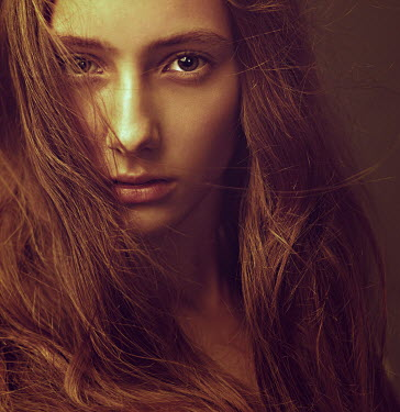 Dmitry Ageev WOMAN WITH THICK HAIR CLOSE UP Women
