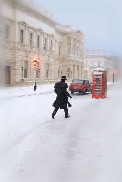 Philip Askew VICTORIAN MAN ON SNOWY LONDON ROAD Men