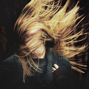Magdalena Russocka YOUNG BLONDE WOMAN THROWING HAIR Women