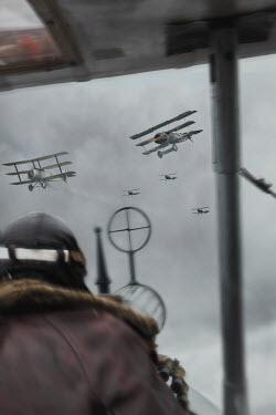 CollaborationJS PILOT MAN SHOOTING AT WW1 AEROPLANES Men