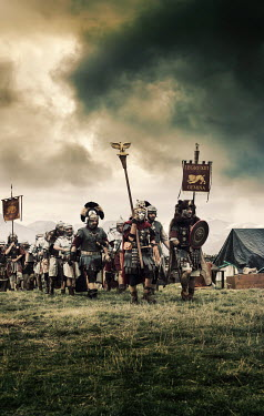 Stephen Mulcahey ANCIENT ROMAN ARMY MARCHING IN FIELD Groups/Crowds
