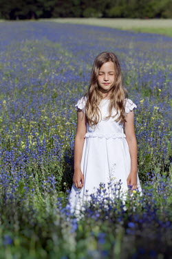 Hanna Seweryn YOUNG BLONDE GIRL IN FLOWER FIELD Children