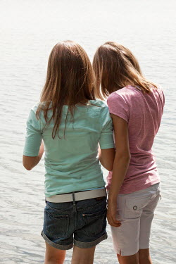 Yolande de Kort TWO YOUNG GIRLS BY LAKE Children