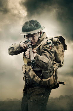 Stephen Mulcahey British WW2 soldier aiming his rifle Men
