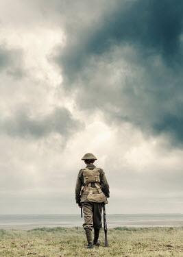 Stephen Mulcahey WW1 british soldier walking near sea Men