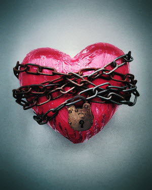 Peter Hatter RED HEART WRAPPED IN PADLOCK AND CHAINS Miscellaneous Objects
