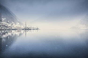 Roberto Pavic TOWN BY LAKE IN THE SNOW Lakes/Rivers
