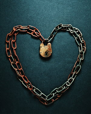 Peter Hatter CHAIN AND PADLOCK IN HEART SHAPE Miscellaneous Objects