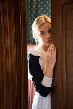 Elisabeth Ansley YOUNG BLONDE HISTORICAL MAID BEHIND DOOR Women