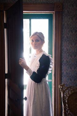 Elisabeth Ansley YOUNG BLONDE HISTORICAL MAID OPENING DOOR Women