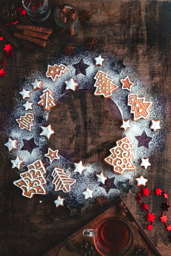 Dina Belenko CIRCLE OF CHRISTMAS COOKIES Miscellaneous Objects