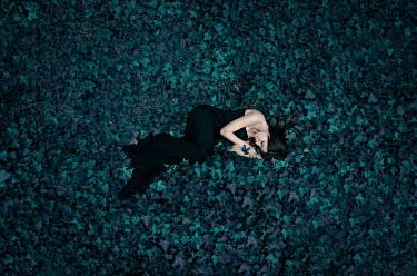 Ciro Galluccio WOMAN LYING IN IVY Women