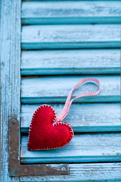 Ildiko Neer RED HEART SHAPED ORNAMENT Miscellaneous Objects