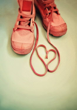 Lyn Randle TRAINERS WITH LACES IN HEART SHAPE Miscellaneous Objects