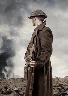 CollaborationJS ww1 soldier with gun on battlefield Men