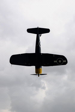 CollaborationJS ww2 nvy fighter plane falling from the sky Miscellaneous Transport