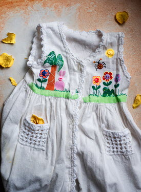 Terry Bidgood LITTLE GIRLS DRESS WITH COLOURFUL DESIGN Miscellaneous Objects