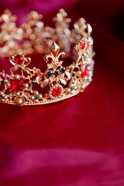 Isabelle Lafrance JEWELLED GOLD CROWN ON RED FABRIC Miscellaneous Objects