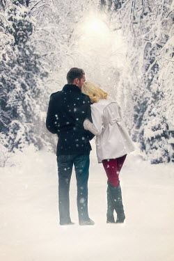 Elisabeth Ansley YOUNG MODERN COUPLE IN SNOWY FOREST Couples
