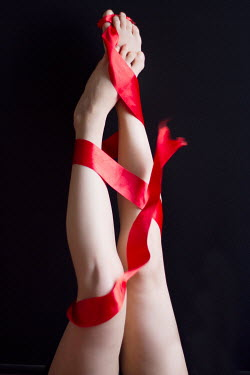 Nilufer Barin WOMANS BARE LEGS WRAPPED IN RIBBON Body Detail