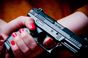 Valentino Sani WOMAN WITH RED NAILS HOLDING GUN Body Detail