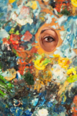 Svetoslava Madarova WOMANS BROWN EYE BEHIND PAINT PALETTE Body Detail