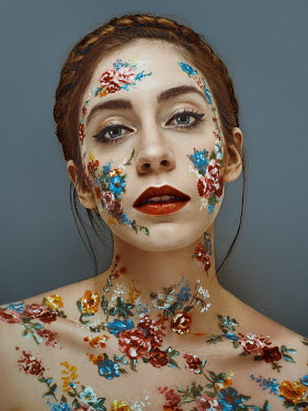 Lidia Vives Rodrigo WOMAN COVERED WITH PAINTED FLOWERS Women