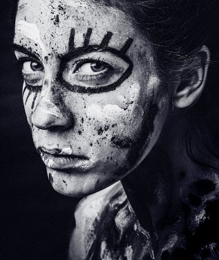Lidia Vives Rodrigo ANGRY GIRL WITH PAINTED FACE Women