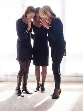 Elisabeth Ansley THREE MODERN WOMEN WHISPERING TOGETHER Groups/Crowds