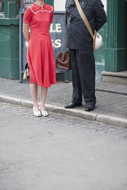 Lee Avison 1940S WOMAN AND AIR RAID WARDEN OUTSIDE PUB Couples
