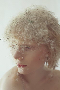 Marta Bevacqua BLONDE WOMAN COVERED WITH DANDELION SEEDS Women