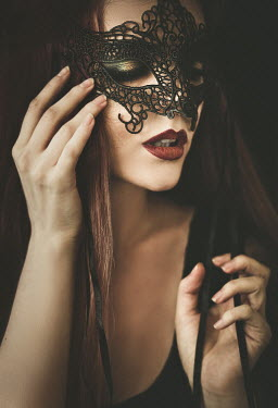 Hellen GLAMOROUS BRUNETTE WOMAN WEARING MASK Women