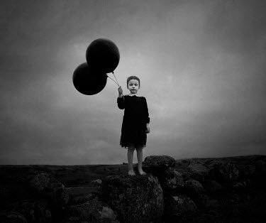 Maren Klemp BAREFOOT GIRL WITH BALLOONS ON MOOR Children