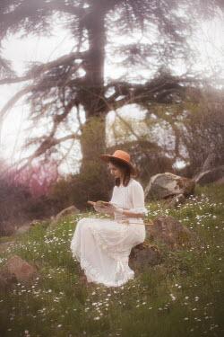 Vivienne Mok EDWARDIAN GIRL READING IN COUNTRYSIDE Women