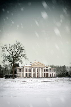 Yolande de Kort COUNTRY MANSION HOUSE IN SNOW Houses