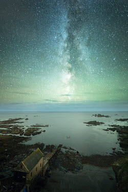 Ollie Taylor LIFEBOAT HOUSE AT NIGHT WITH STARRY SKY Seascapes/Beaches