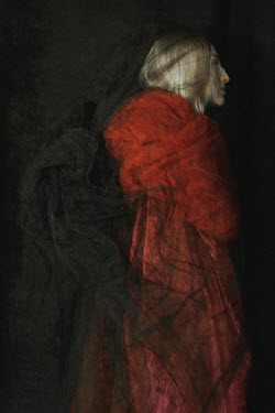 Daria Amaranth BLONDE WOMAN COVERED WITH D=RED AND BLACK SILK Women