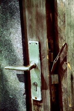 Ute Klaphake BROKEN WOODEN DOOR Building Detail