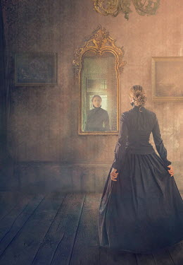 Drunaa HISTORICAL WOMAN IN BLACK LOOKING IN GRAND MIRROR Women