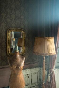 Colin Hutton RETRO INTERIOR WITH MIRROR, LAMPSHADE AND MANNEQUIN Interiors/Rooms