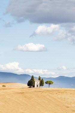 Yolande de Kort ITALIAN CHAPEL IN TUSCAN LANDSCAPE Religious Buildings