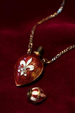 Jaroslaw Blaminsky ANTIQUE NECKLACE WITH PEFUME BOTTLE Miscellaneous Objects
