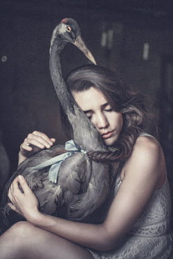 Anna Sychowicz DREAMY GIRL HOLDING BIRD Children