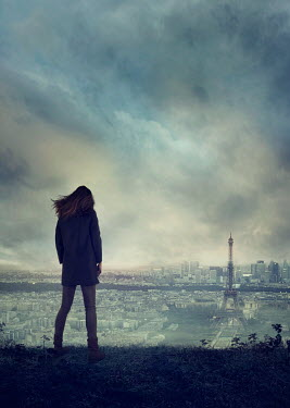 Drunaa WOMAN ON HILL WATCHING PARIS SKYLINE Women
