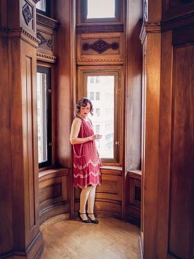 Elisabeth Ansley 1930S WOMAN IN ELEGANT CITY APARTMENT Women