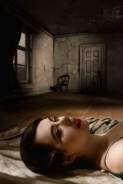 Richard Tuschman DEAD WOMAN LYING IN OLD DARK HOUSE Women