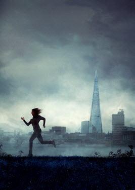 Drunaa Woman running near London Women