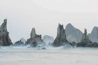 Lars van de Goor JAGGED ROCKS IN SEA Seascapes/Beaches