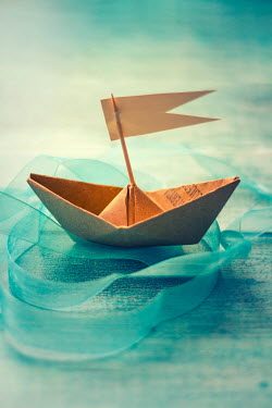 Nilufer Barin MODEL PAPER BOAT Miscellaneous Objects
