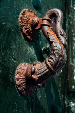 Ute Klaphake RUSTY SWAN HANDLE Building Detail